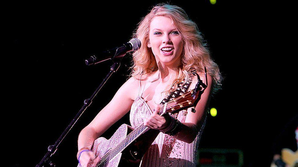 How Taylor Swift Went from Country to Pop and Became One of the Biggest Artists Today